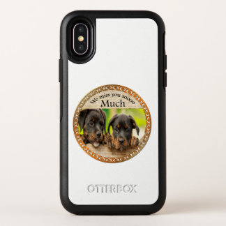 Chiots mignons de rottweiler noir avec les visages