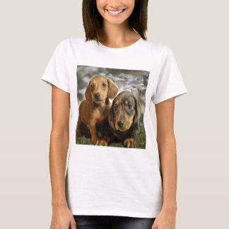 Chiots mignons de teckel t-shirt