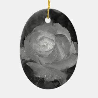 Choisissez la fleur rose avec des gouttelettes ornement ovale en céramique