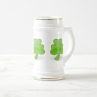 Chope À Bière Blanc irlandais de St Patrick de shamrock/tasse