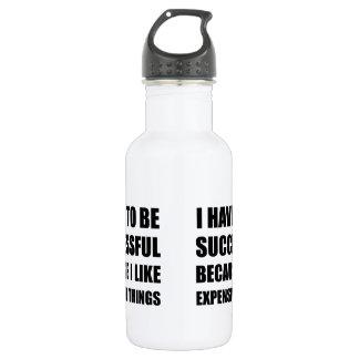 Choses chères réussies bouteille d'eau