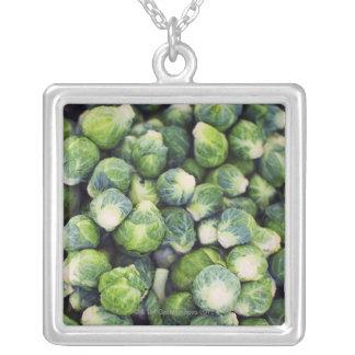 Choux de bruxelles frais vert clair collier