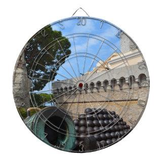 Cible De Fléchettes Palais du Monaco - boulets de canon et canons