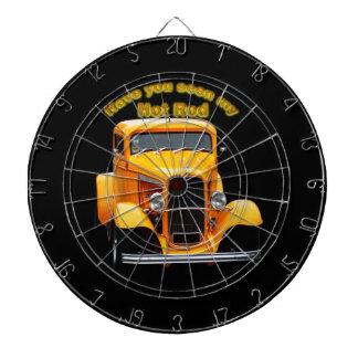 Cible De Fléchettes Vieux roadster jaune avec les fenêtres avant