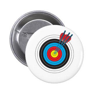 Cible de tir à l arc avec des flèches badge
