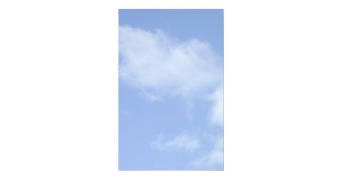 Ciel bleu clair avec des nuages stationnaires papier lettre personnalis - Image ciel bleu clair ...