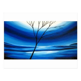 Ciel bleu d'arbre abstrait carte postale