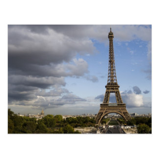 ciel dramatique derrière Tour Eiffel Carte Postale