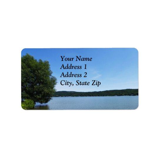 Cieux bleus au-dessus d'étiquette de lac Otisco Étiquettes D'adresse