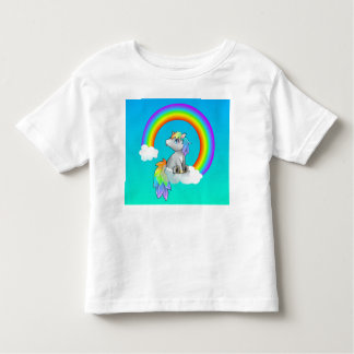 Cieux bleus de licorne d'arc-en-ciel mignons pour t-shirt pour les tous petits
