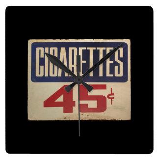 cigarettes 45¢ horloge carrée