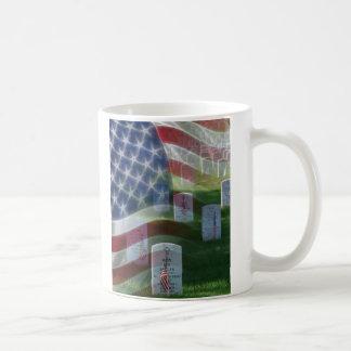 Cimetière national d'Arlington, drapeau américain Mug