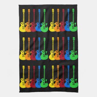 Cinq guitares électriques serviettes éponge