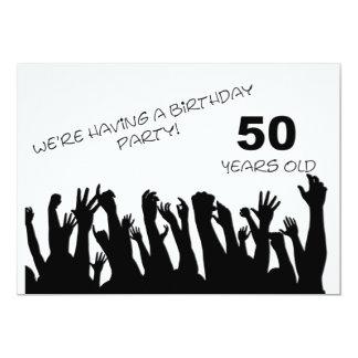 cinquantième invitation de partie avec les foules carton d'invitation  12,7 cm x 17,78 cm