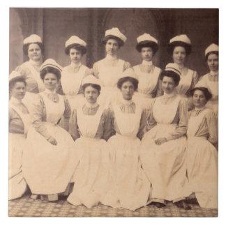 circa les diplômés 1914 d'école d'infirmières grand carreau carré