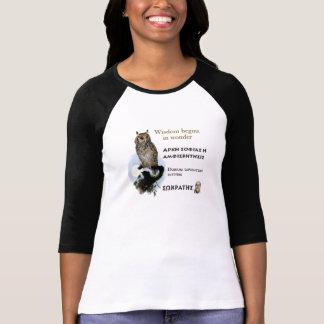 Citation célèbre de Socrates - la sagesse commence T-shirt