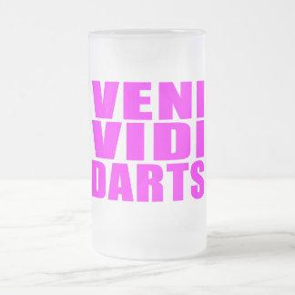 Citations drôles de joueurs de dards de fille : mug en verre givré