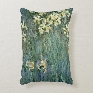 Claude Monet | les iris jaunes Coussins Décoratifs