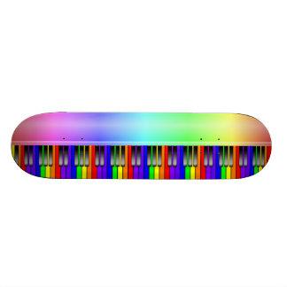 Clavier de piano d'arc-en-ciel planches à roulettes