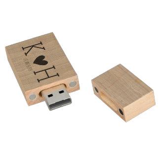 Clé USB Date des initiales du couple rustique de mariage