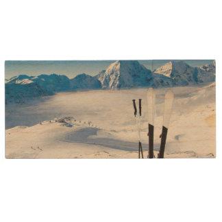 Clé USB Montagnes et équipement de ski