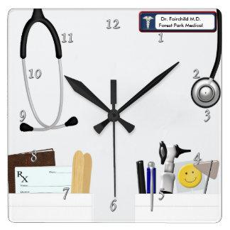 Coat de docteur personnalisé horloge carrée