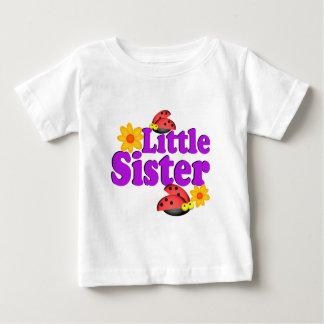 Coccinelle de petite soeur t-shirt pour bébé