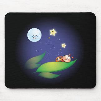 Coccinelle de sommeil tapis de souris