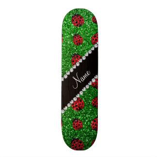 Coccinelle verte nommée personnalisée de scintille skateboards customisés