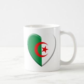 Cœur algérien avec drapeau Algérie Mug Blanc
