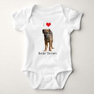 Coeur d'amour du chiot I de Terrier de frontière Body