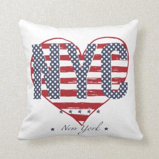Coeur de drapeau américain de NYC Coussin