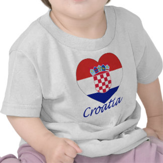 Coeur de drapeau de la Croatie T-shirts