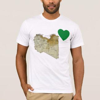 Coeur de drapeau de la Libye et T-shirt de carte