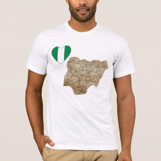 Coeur de drapeau du Nigéria et T-shirt de carte