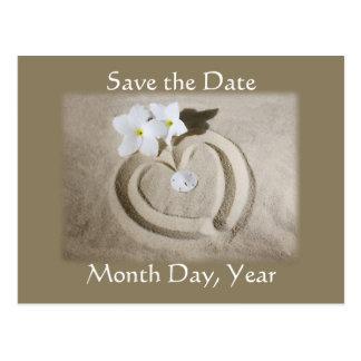 Coeur de plage en sable - sauvez le mariage de carte postale