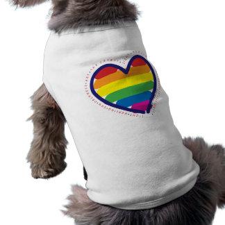 Coeur d'esprit de gay pride t-shirt pour chien