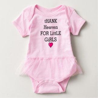 Coeur doux de ciel d'amour d'équipement de bébé body