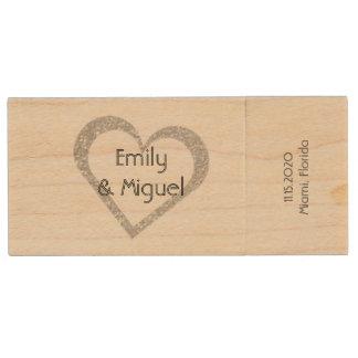Coeur en bois de tableau épousant le stockage de clé USB 2.0 en bois