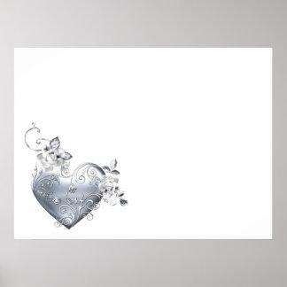 Coeur en filigrane argenté et roses blancs posters
