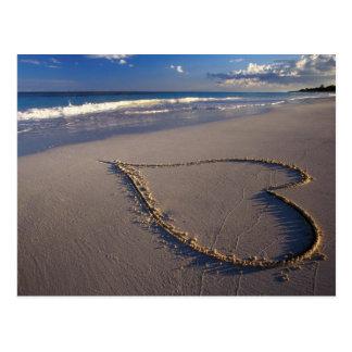 coeur en sable carte postale