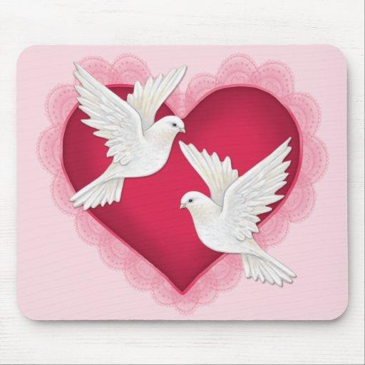 coeur et colombes rose tapis de souris zazzle. Black Bedroom Furniture Sets. Home Design Ideas