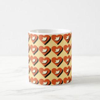 Coeur et conception carrelée par tasse de colombe