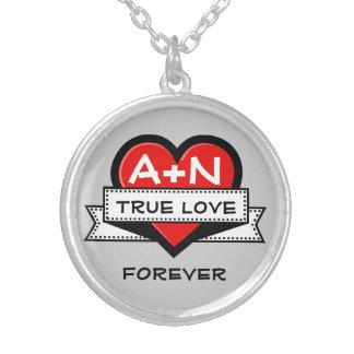 Coeur fait sur commande d'initiales d'amour avec pendentif rond