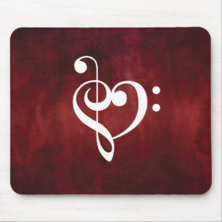 Coeur grunge vintage rouge de clef triple et basse tapis de souris