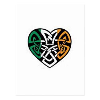 Coeur irlandais de drapeau carte postale