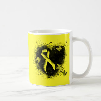 Coeur jaune de grunge de ruban mug