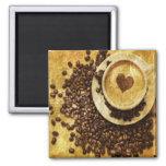 coeur moderne vintage de cappuccino de grains de c aimant