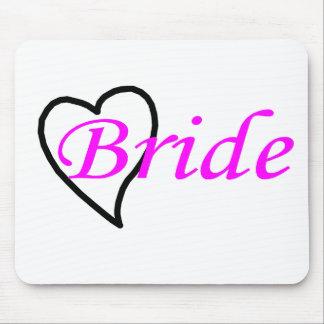Coeur noir rose de jeune mariée tapis de souris