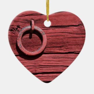 Coeur romantique de mur en bois rouge rural de ornement cœur en céramique